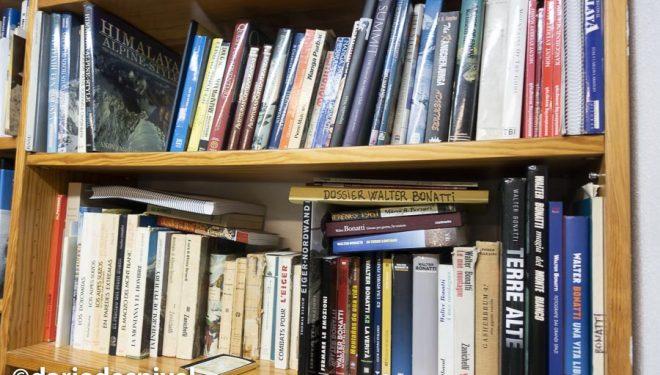 La biblioteca de libros de montaña, viajes y exploración de Sebastián Álvaro.