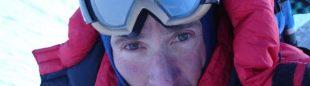 Autoretrato de Jean-Christophe Lafaille durante su intento invernal al Makalu (enero 2006). Esta imagen está tomada a 7.000 metros y es la última foto suya que conocemos.