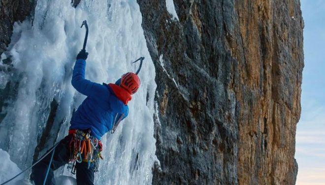 Luka Lindic y Fabian Buhl en Sau hladno! a la Cima Tosa, Dolomitas
