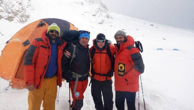 Karim Hayat, Rahmat Ullah Baig, Tom Ballard y Daniele Nardi en el Nanga Parbat