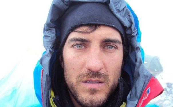 Carlos Suárez alpinista, escalador, Saltador BASE.