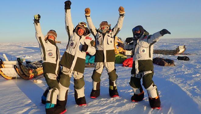 Ignacio Oficialdegui, Ramón Larramendi, Hilo Moreno y Manuel Olivera al finalizar la expedición Antártida Inexplorada