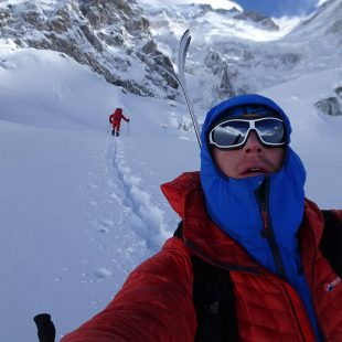 Tom Ballard y Daniele Nardi reabriendo huella camino del C1 en el Nanga Parbat invernal