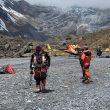 Equipo de rescate por Wui Kin Chin en el Annapurna