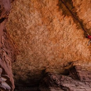 Tom Randall en 'Necronomicon' 8b/+ del White Rim (Canyonlands)