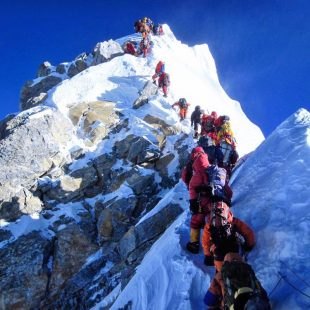 Tráfico en el Everest 2019