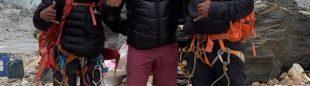 Nirmal Purja (derecha), antes de su ascensión al Makalu
