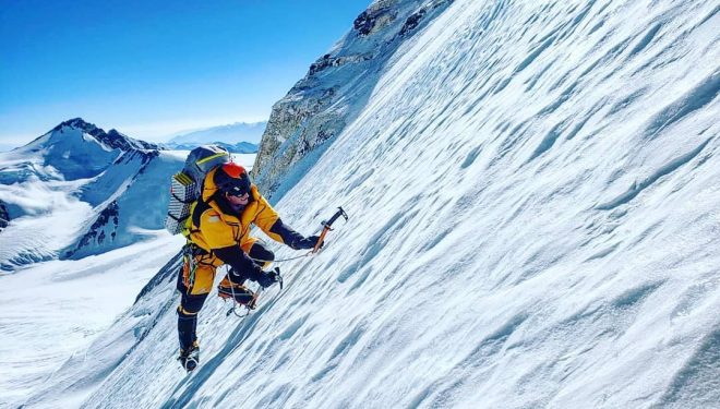 Cory Richards en la cara norte del Everest