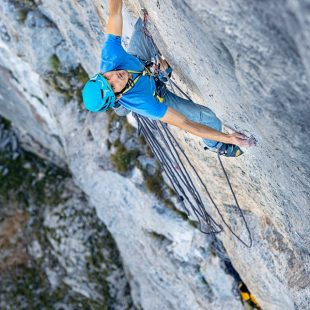 Lukasz Dudek en 'Tortour' (280 m, 8c) de la Schartenspitze (Alpes austriacos)