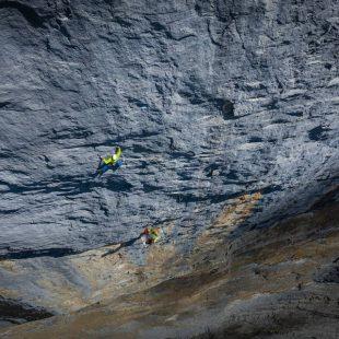 Roger Schaeli y Stephan Siegrist liberan en la cara oeste del Rotbrätt en Jungfrau, Suiza