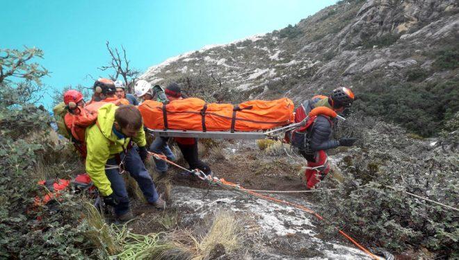 Labores de rescate del accidente mortal de Ian Shwer y Juan Pablo en el Nevado Caraz (Perú)