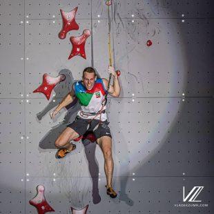 El italiano Ludovico Fossali muestra su alegría al proclamarse campeón del Mundo de Velocidad en Japón 2019.