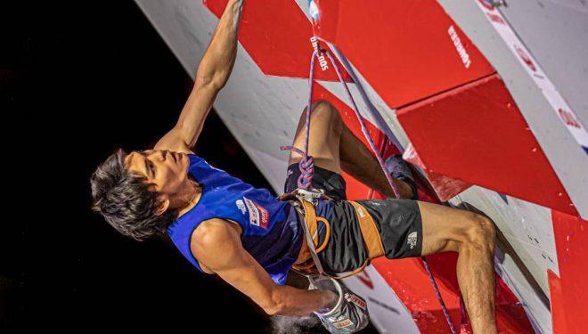 Tomoa Narasaki en la eliminatoria prueba combinada Campeonato Mundial Japón 2019. Pasó a la final.