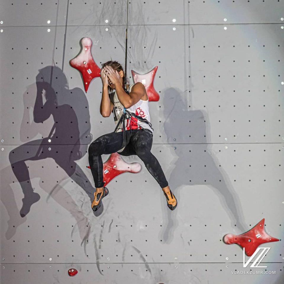 La alegría de la polaca La polaca Aleksandra Miroslaw al proclamarse campeona del Mundo de velocidad en Japón 2019.