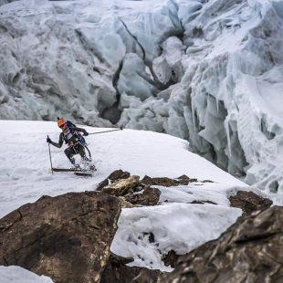 Andrezej Bargiel descendiendo en esquí del K2, 2018