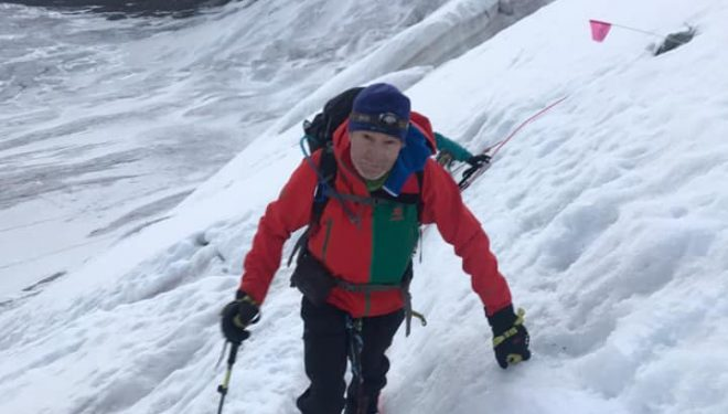 Carlos Soria ascendiendo al Pico Lenin, julio 2019