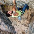Enrique Gallardo escalando en la Cueva de Poloria (Granada)