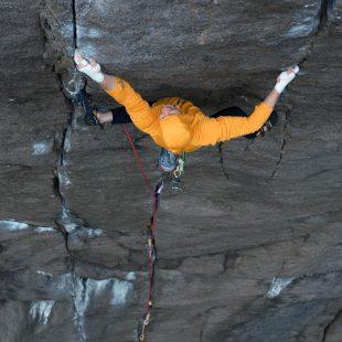 Pete Whittaker en 'The recovery drink' 8c+ de fisura en Noruega