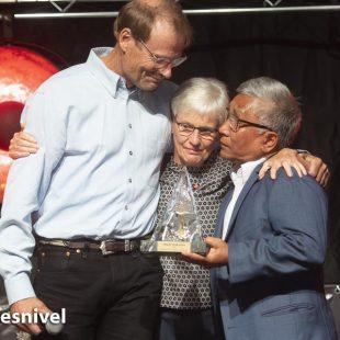 Los padres de David Lama y su gran amigo y compañero Conrad Anker,