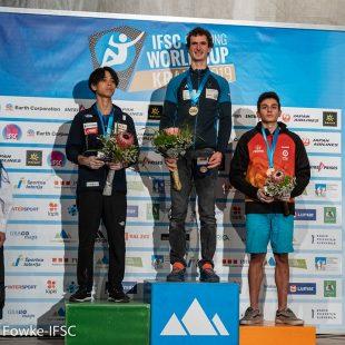 Alberto Ginés en podio de la Copa del Mundo de Dificultad 2019 en Kranj