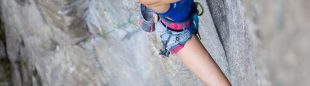 "Molly Mitchel en ""China Doll"" (8b+ trad)"