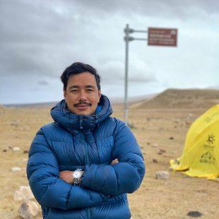 Nirmal Purja en el campo base del Shisha Pangma