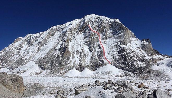 Cara oeste del Tengi Ragi Tau (6.938 m), en Nepal