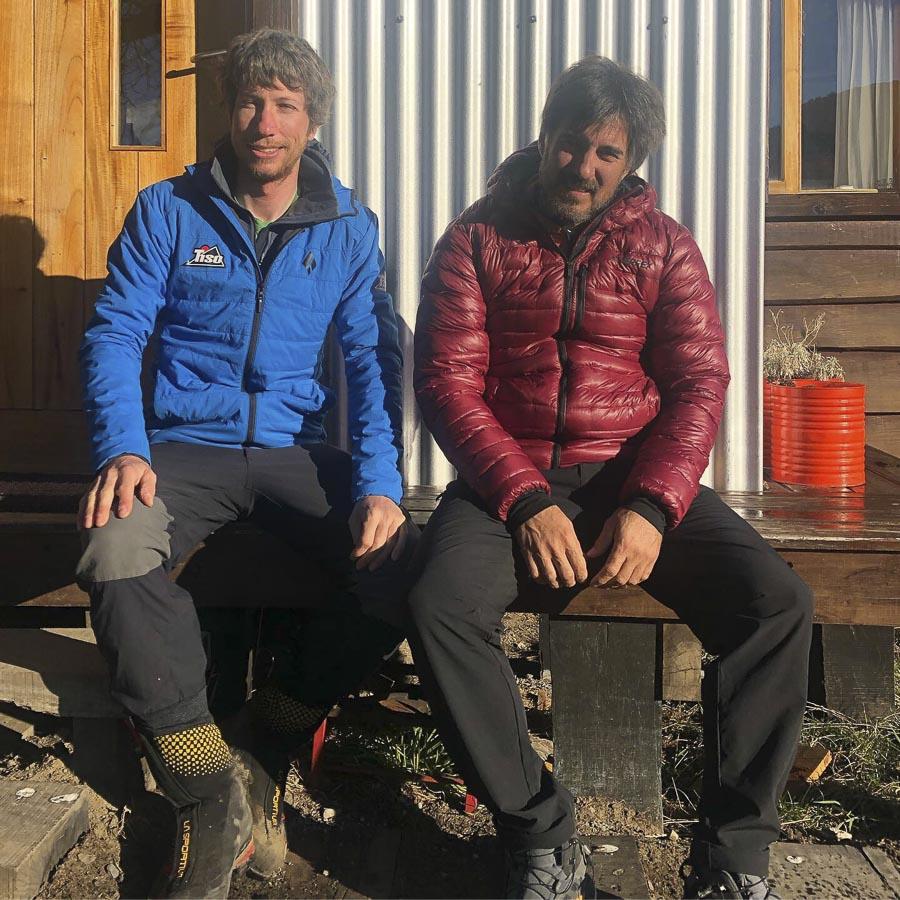 Carlos Suárez (derecha) en su última expedición a Patagonia