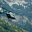 Un helicóptero de la Guardia Civil durante una práctica rescate en montaña.