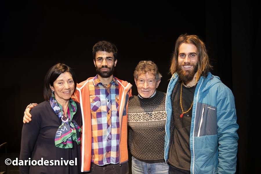 Los hermanos Pantoja (Alberto y Álvaro) con Rosa Fernández y Carlos Soria en las Jornadas Montaña de Moralzarzal 2019.
