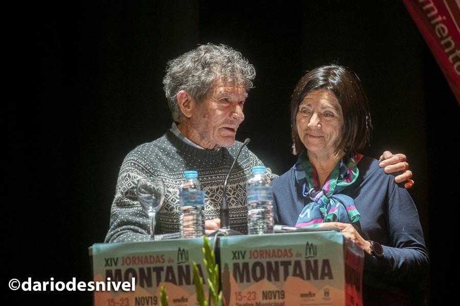 Carlos Soria presenta a Rosa Fernández en las Jornadas Montaña de Moralzarzal 2019.