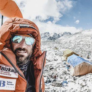 Alex Txikon en el Everest durante el intento que llevó a cabo en el invierno 2017-18.