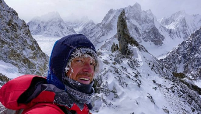 Don Bowie, en el C1 del Broad Peak invernal