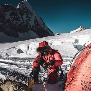 Jost Kobusch en el Everest invernal