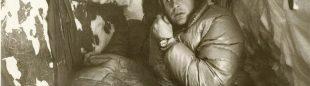 John Harlin II en el primer vivac durante la apertura directa al Eiger (1966)