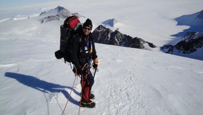 Juan García Arriaza en una expedición a la Antártida