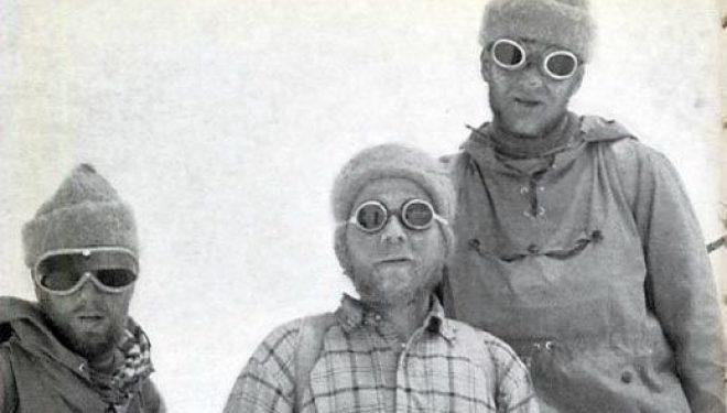 Sepp Larch, Fritz Moravec y Hans Willenport en el Gasherbrum II