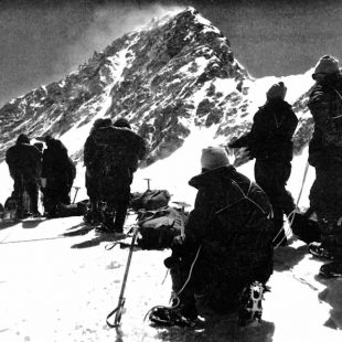 Primera ascensión al Shisha Pangma, a 6.800 m