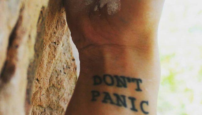 Tatuaje Don't Panic