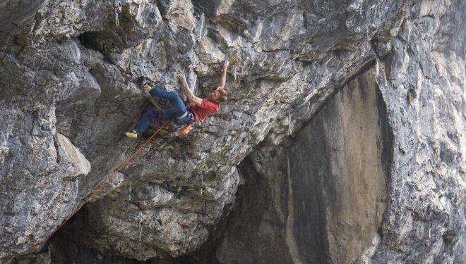 Jakob Schubert en 'Weisse rose' 9a de Schleierwasserfall (Austria)