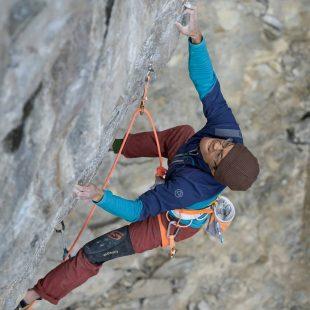 Evan Hau en 'Sacrifice' 9a de Echo Canyon (Canadá)