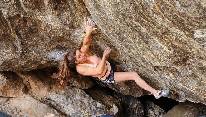 Brooke Raboutou en 'The wheel of chaos' 8B de Rocky Mountain National Park.