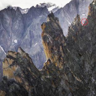 Filip Babicz en la ruta a cima de la Aiguille Noire de Peuterey.
