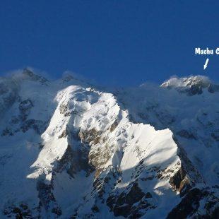 La aislada ubicación del Muchu Chhish, en el macizo del Batura.