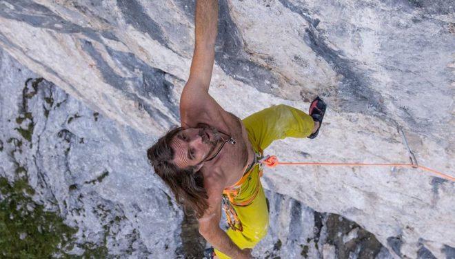Thomas Huber en 'Siete Venas' (200 m, 8b) en el Hoher Göll.