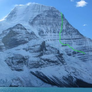 Línea de 'Running in the shadows' a la Emperor Face del Mt. Robson.