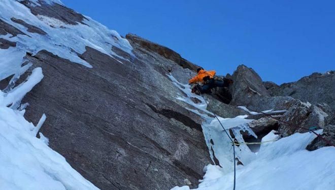 Martin Feistl y David Bruder en la repetición de 'Sagzahn-Verschneidung' en Valsertal (Tirol austriaco).