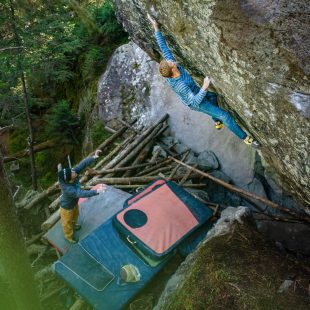Jakob Schubert en 'La force tranquille direct' 8C de Magic Wood.