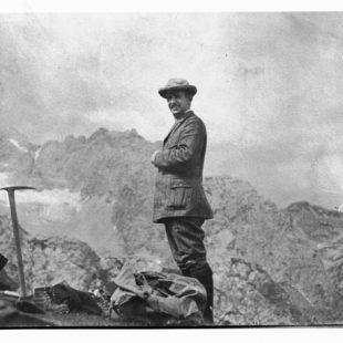 Una foto de Schulze tomada durante su última ascensión al Zugspitze, la cumbre más alta de Baviera y de Alemania (es el pico que se ve al fondo). La imagen es de 1913, es decir, posterior a su estancia en España.