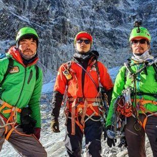 Pemba Sherpa, Urken Sherpa y Lhakpa Gyaljen Sherpa en el Luza.